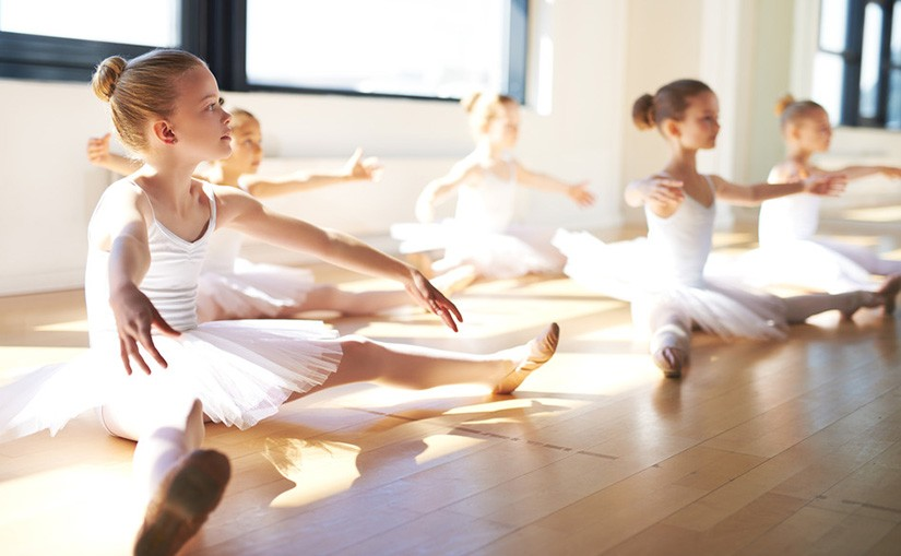 Ballet-Dance-Class-feature-825x509